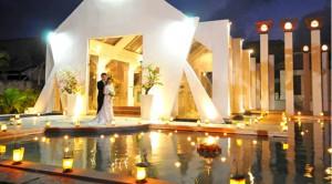 BA_Hochzeitsplaner_Muenchen_Hochzeit_Bali_Trauung_Kirche_abends
