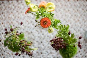 Dekoration für Hochzeit mit Wiesenblumen